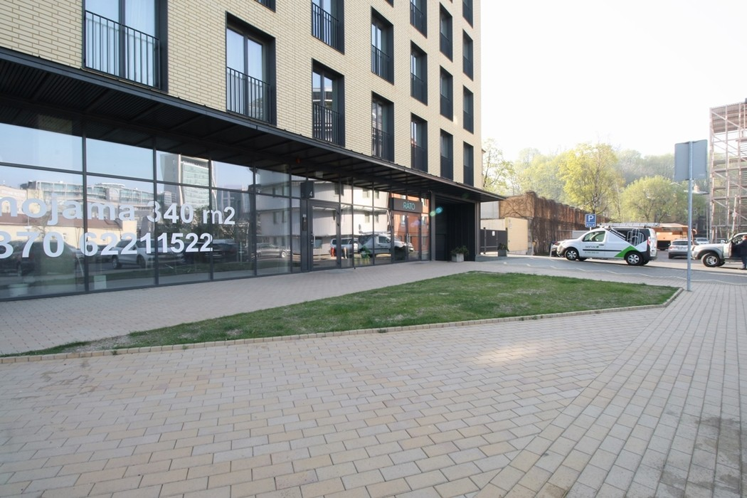 Reljef atliktas darbas: Daugiabutis pastatas Jasinskio 14